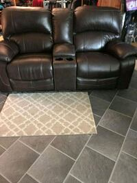 Leather look ,Reclining love  seat  Kennewick, 99336