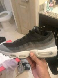 unpaired gray and white Nike Air Max shoe Houston, 77025