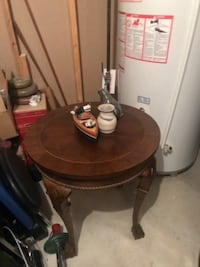 Round end table WOODBRIDGE