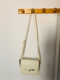White bag/ Bolso blanco 马德里, 28038