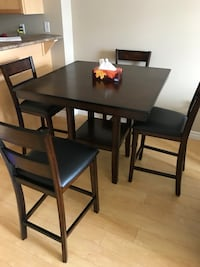 Dining table London, N6A 1K1
