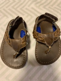 NEW Gap Toddler Sandals Size 5