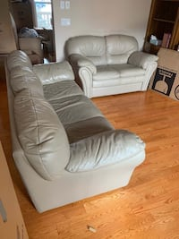 Couch and love seat Calgary, T2K 2A8