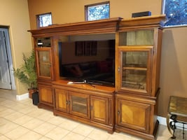 Entertainment/Wall Unit/TV Stand