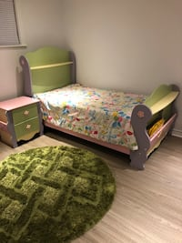 From Ashly bedroom set worth 2500$ Montréal, H3X