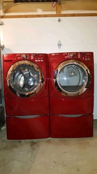 Red maytag series washer and dryer with pedestals  Pickering, L1V 6P5