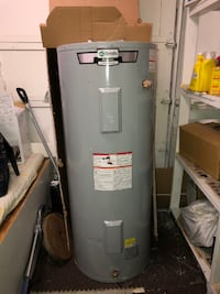 Hot Water Tank (Like New)