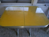 Vintage 1950s kitchen table. Chrome and Formica Glen Burnie, 21060
