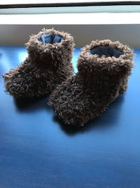 Brown fuzzy slippers size 12-24 months Haverhill, 01835