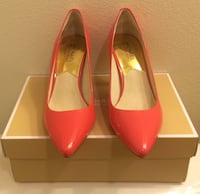 Women shoes Michael kors Pair of red leather heeled shoes with box 2290 mi