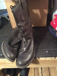 Pair of brown  leather boots Butler, 46721
