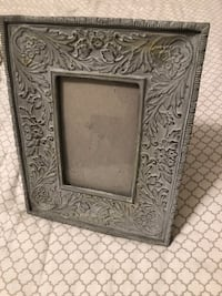 Two shabby chic frames Chicago, 60618