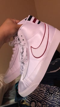 Nike white shoes Brand New Women Calgary, T2Y 5G5