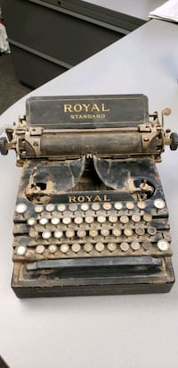 Antique1909 Royal Standard Typewriter
