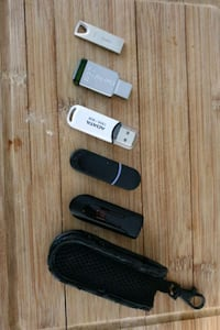 Set of 6 flash drives Vancouver, V6Z 2N2