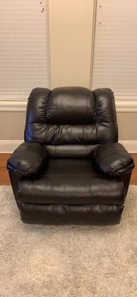 Recliner Chair (dark brown) New Orleans, 70112