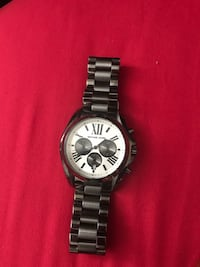Round silver-colored chronograph watch with link bracelet 755 mi