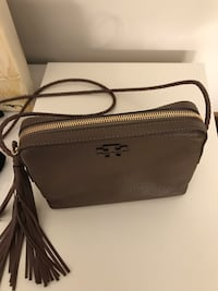 Torry Burch purse, used only couple of times . Burnaby, V5E 4H6