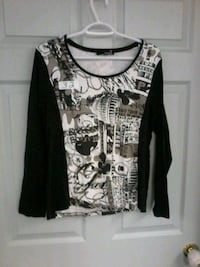 black and white scoop-neck long-sleeved shirt Edmonton, T5L 0S3