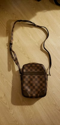 $290 Louis Vuitton crossbody bag    Edmonton, T6J 3V6