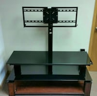 High quality TV stand  Will hold up to 135 lbs TV