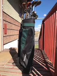 Golf mate bag with assorted clubs