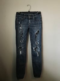 size 0 AE low rise ripped jeans  Kelowna, V1X 4T4