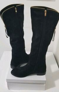 Brand New Gorgeous Swede Boots  Size 8 Aurora, L4G 6T5