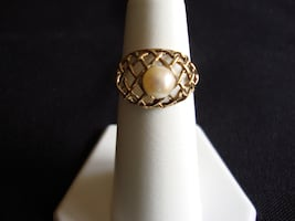 14K GOLD LADIES CULTURED PEARL RING