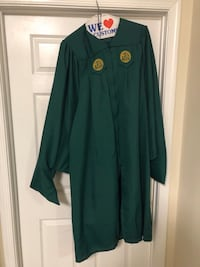 George Mason University Commencement Cap, Gown, and Masters Hood! Alexandria, 22309