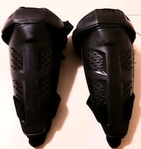 Fox Racing elbow. Pads New Westminster, V3L 3B2