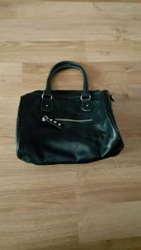 Women's areopostale leather bag  Pickering, L1W 1G3