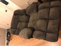 Brown suede 3-seat recliner sofa New Orleans, 70121