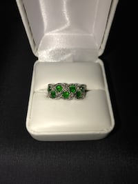 Sterling Silver twisted design w/chrome diopside ring 37 km