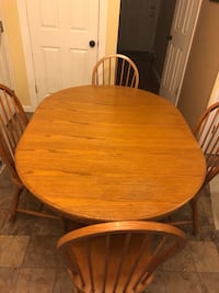 Oak Kitchen Dining Room Pedestal Table w/4 Chairs