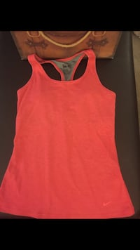 Nike DRI-FIT Women's Racerback Tank Top w built in support bra. Size:S Richmond, V7E 6S2