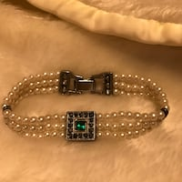 Beautiful Vintage Pearl Bracelet With Green Stone & Crystals Gainesville, 20155