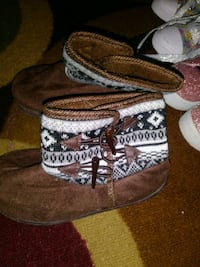 pair of brown leather fringe boots West Allis