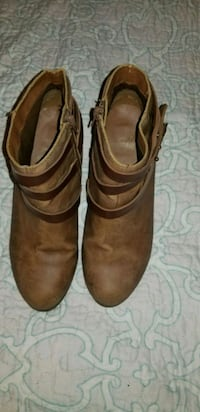 pair of brown leather boots size:8 North Highlands, 95660