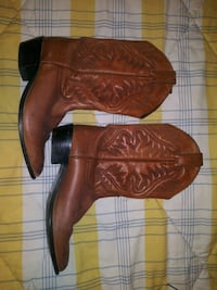 Justin Boots size 6.5 women's boots.