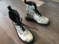 Doc Martens Boots Painter-style. Sz 5 Men's or 6 Ladies. This costs between 120-150 new. Save your money and buy this.  Surrey, V3W 8P5