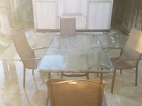 Table and 4 chairs good condition  Bakersfield, 93311