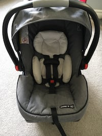Graco snugride clickconnect 35 St Thomas, N5R 4P9