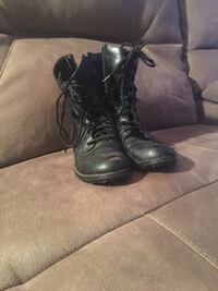 Pair of black leather boots Knox, 46534