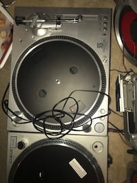 Turn table , old style geramaphon for DJ's North Vancouver, V7L