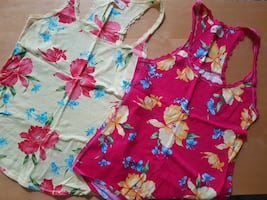 Hollister summer tanks tops