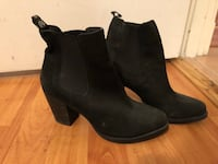 black leather size 7 ankle boots Vancouver, V6J