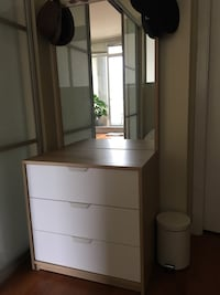 Drawer and mirror  Vancouver, V5Y 1E3