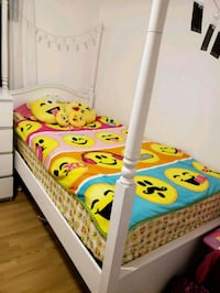2 toddler bed  784 km