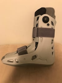 Aircast for ankles size large Burnaby, V5G 1P2
